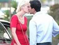 With John Diaz, M.D. kiss / Sophie Monk
