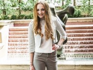 Sophie Turner / Celebrities Female