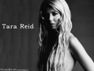 Tara Reid / Celebrities Female
