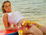 Download Tatiane Kremer / Celebrities Female