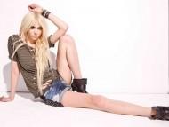 Taylor Momsen / Celebrities Female