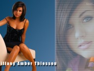 Tiffani Thiessen / Celebrities Female