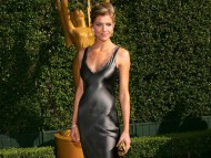 Tricia Helfer / Celebrities Female