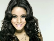 Vanessa Hudgens / Celebrities Female