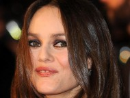Vanessa Paradis / Celebrities Female