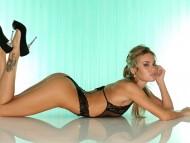 black lingerie / Veronika Fasterova