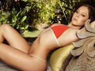 Victoria James / Celebrities Female