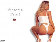 Victoria Pratt / Celebrities Female