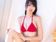 Red bra / Yuriko Shiratori