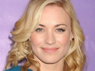 Yvonne Strahovski / Celebrities Female