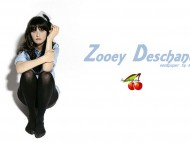 Zooey Deschanel / Celebrities Female
