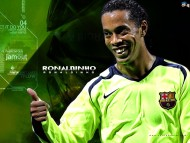 laughs / Ronaldinho