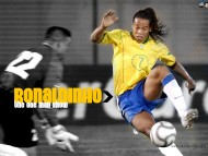 encircles / Ronaldinho