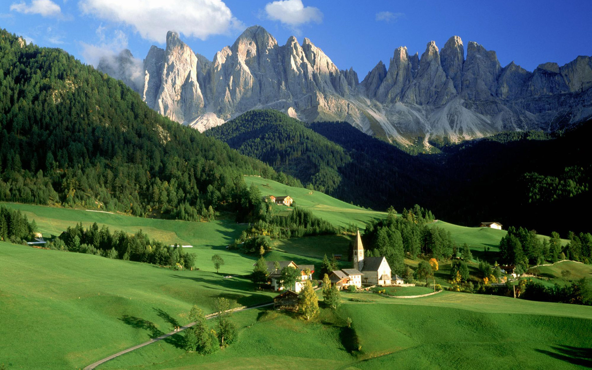Download High quality Mountains village Italy wallpaper / 1920x1200