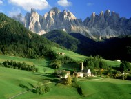 Download Mountains village / Italy