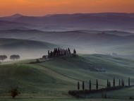 Download Misty valley / Italy