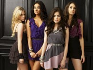 Pretty Little Liars / Movies