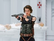 ready to shoot / Resident Evil AfterLife 3D