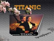 Titanic / Movies