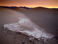 Mesquite Sand Dunes at Dawn, Death Valley National Park, California / Deserts