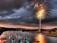 Fireworks in lake austin, texas / Lakes