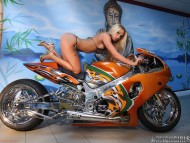 Actiongirls / Girls & Bike