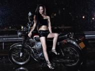 Girls & Bike / People