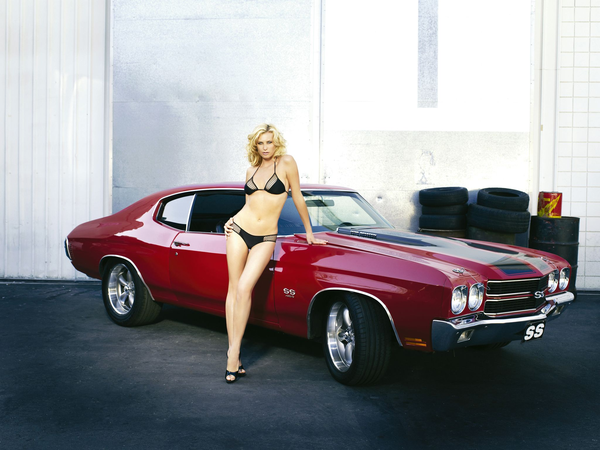 girls-cars_258a0fbf.jpg