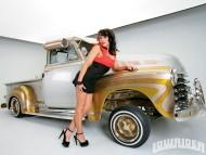 stylish, trendy pick-up / Girls & Cars
