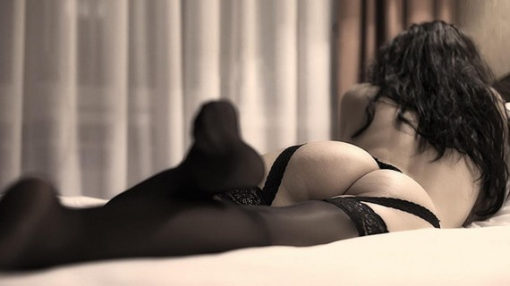 Free Send to Mobile Phone black back Sexy Girls wallpaper num.234