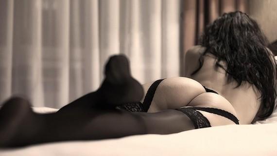 секс фото девушки брюнетки