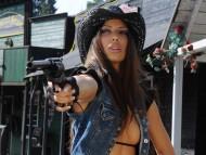gun / Sexy Girls