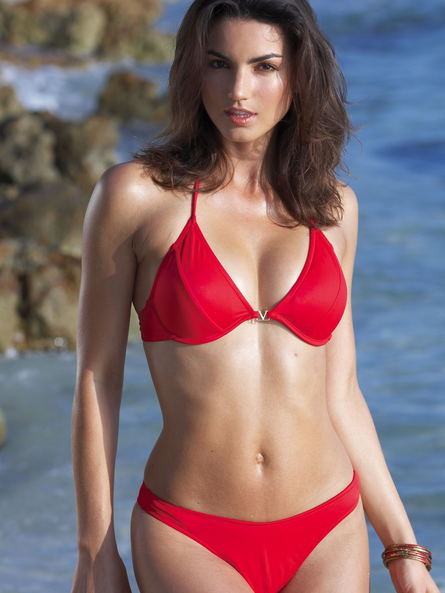 How to Choose the Right Swimsuit for Your Body Type -