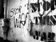 say no to war, no to war, stop war, black and white / Creative Photos