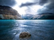 The Opal Lake / Creative Photos