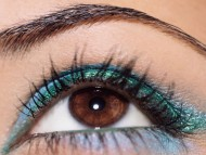 green makeup / Eyes