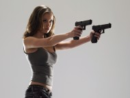 Download Summer Glau Dual Wielding Pistols / Girls