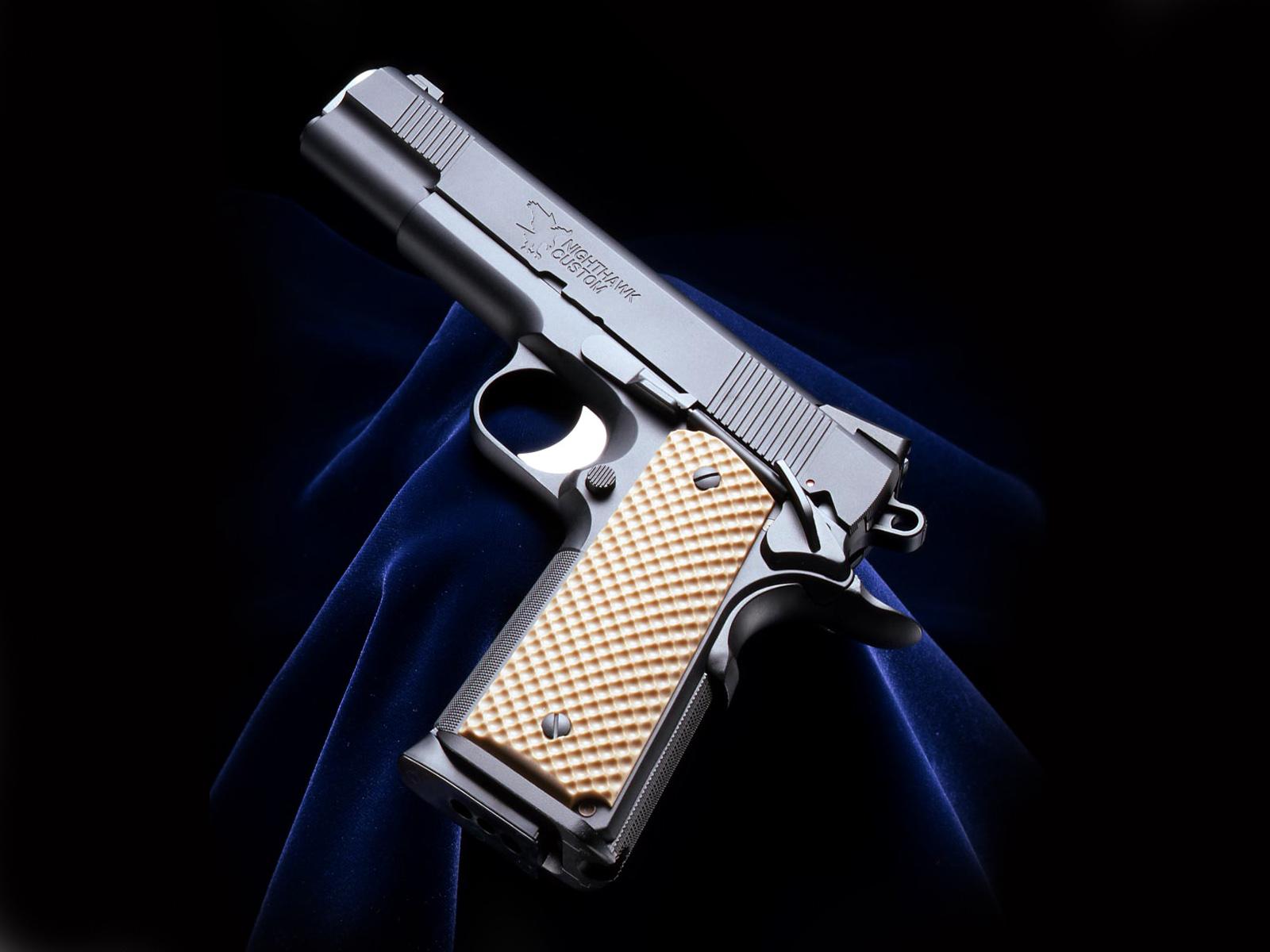free download hq highthawk guns wallpaper num 10 1600 x 1200 356 1