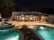 HDR Poolhouse / Pools