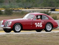 Corrssa Red old car / Racing Cars