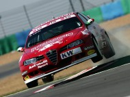 Red Alfa Romeo / Racing Cars