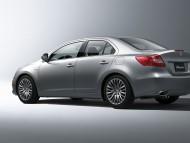 Kizashi silver sedan angle / Suzuki