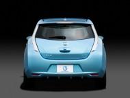 Zero Emission LEAF blue back / Nissan