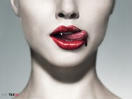 blood on her lips / True Blood
