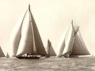 Yacht Race / Frigates & Sailing ships