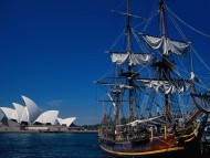 Near Sydney Opera House / Frigates & Sailing ships
