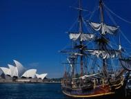 Near Sydney Opera House / Frigates & Sailing ships