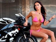 Black bike / Girls & Motorcycles