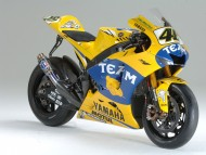 yellow Yamaha / Motorcycle