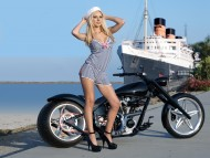 Girls & Motorcycles / HQ People